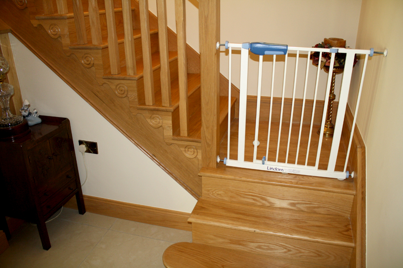 Oak Cut String Stairs